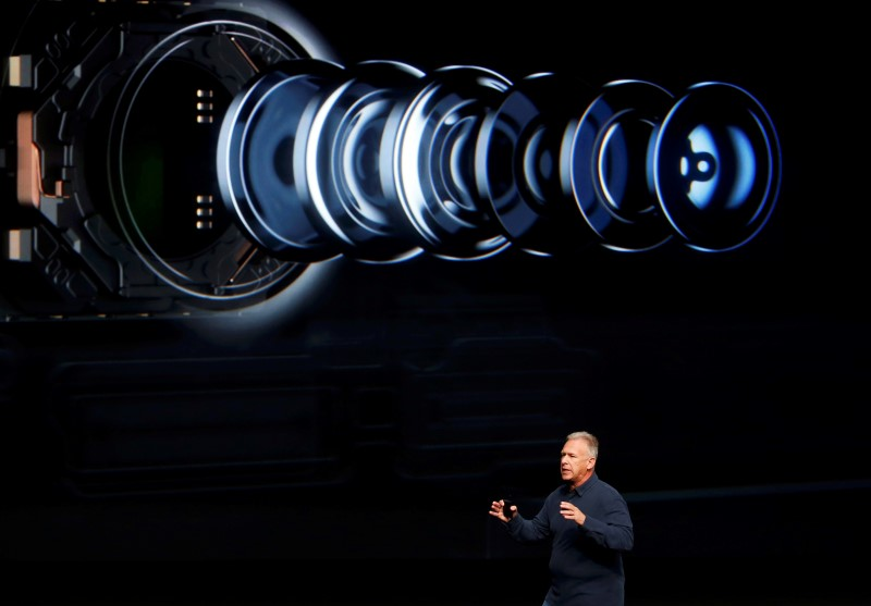 Phil Schiller, Senior Vice President of Worldwide Marketing at Apple Inc, discusses the camera on the iPhone7 during an Apple media event in San Francisco, California, U.S. September 7, 2016.  REUTERS/Beck Diefenbach