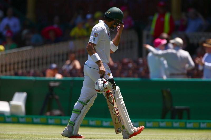 Cricket - Australia v Pakistan - Third Test cricket match - Sydney Cricket Ground, Sydney, Australia - 7/1/17 Pakistan's Misbah-ul-Haq reacts as he walks off the ground after being caught by Australia's Nathan Lyon. REUTERS/David Gray