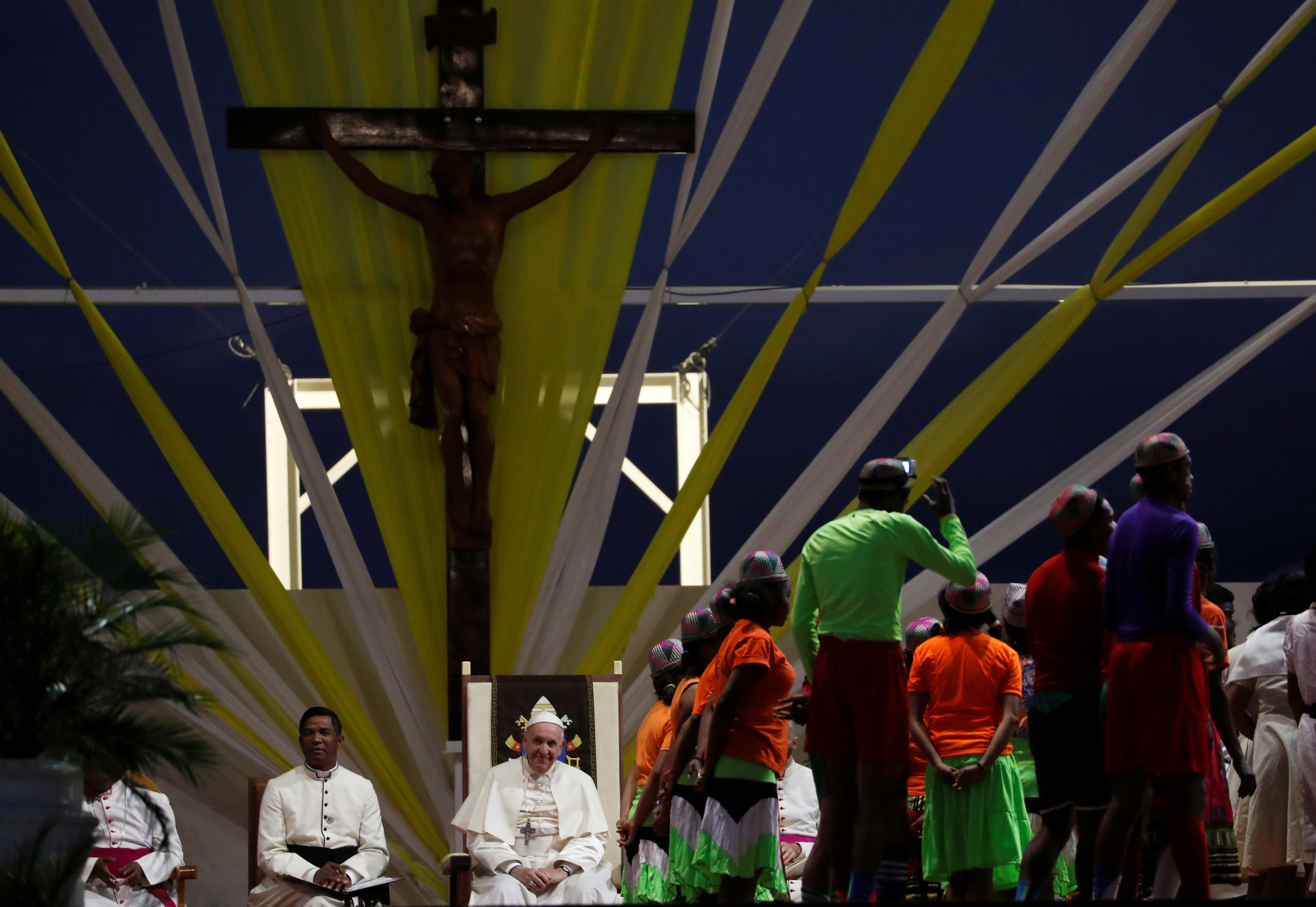 Pope Francis attends a prayer vigil with youth at the Soamandrakizay Mess site in Antananarivo, Madagascar, September 7, 2019. REUTERS/Yara Nardi