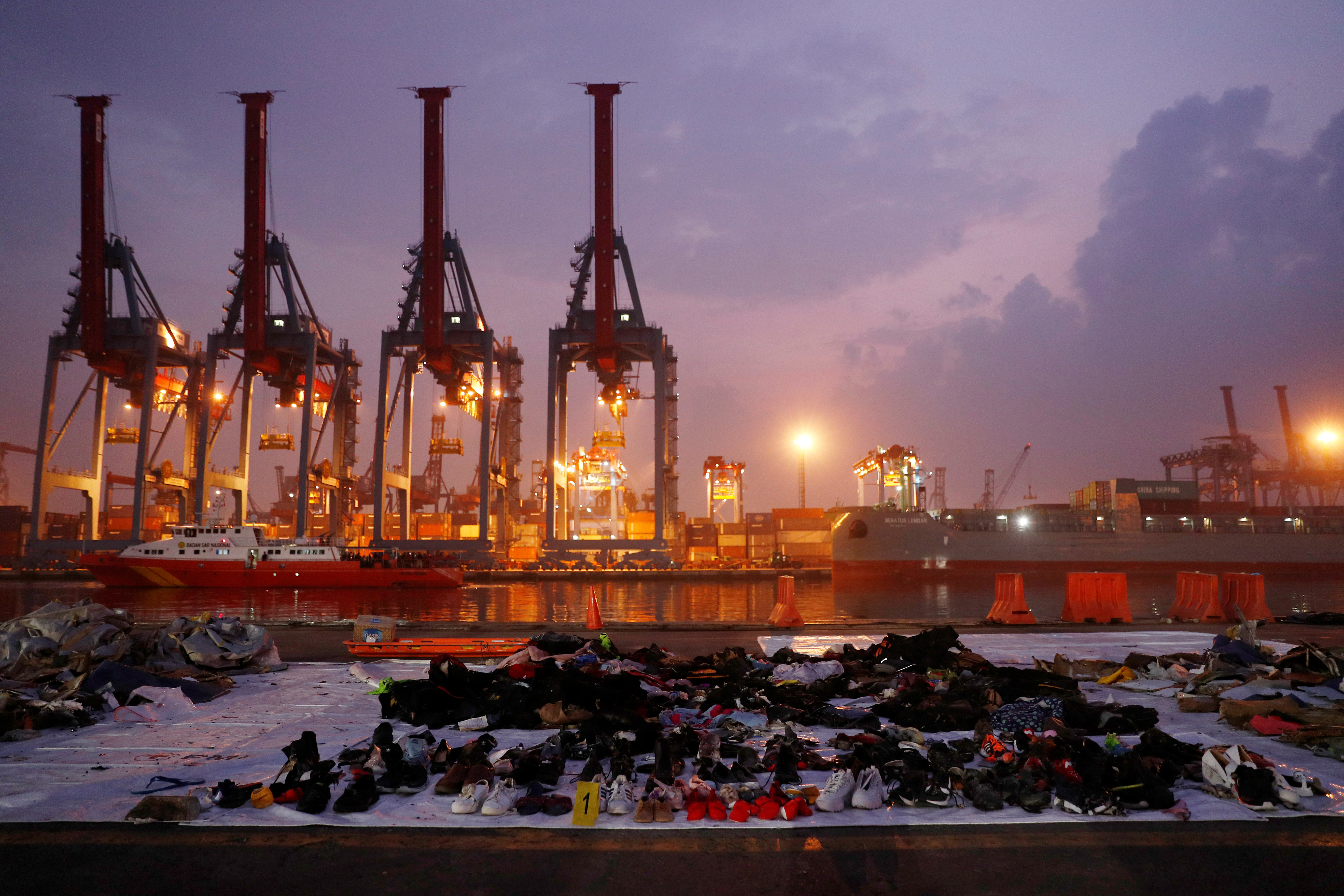 FILE PHOTO: Recovered belongings believed to be from the crashed Lion Air flight JT610 are laid out at Tanjung Priok port in Jakarta, Indonesia, November 1, 2018. REUTERS/Edgar Su
